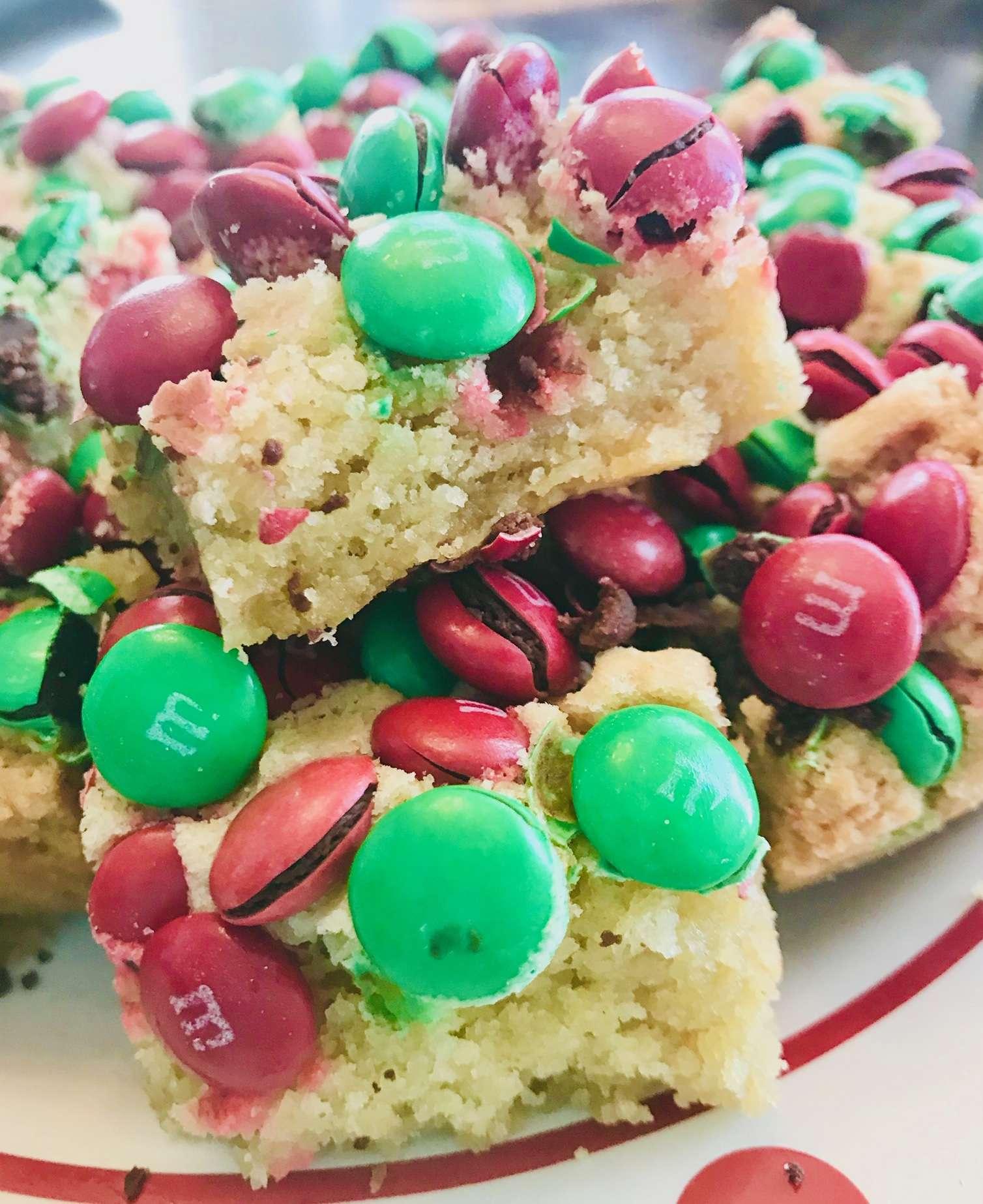Christmas MandM Sugar Cookie Bars